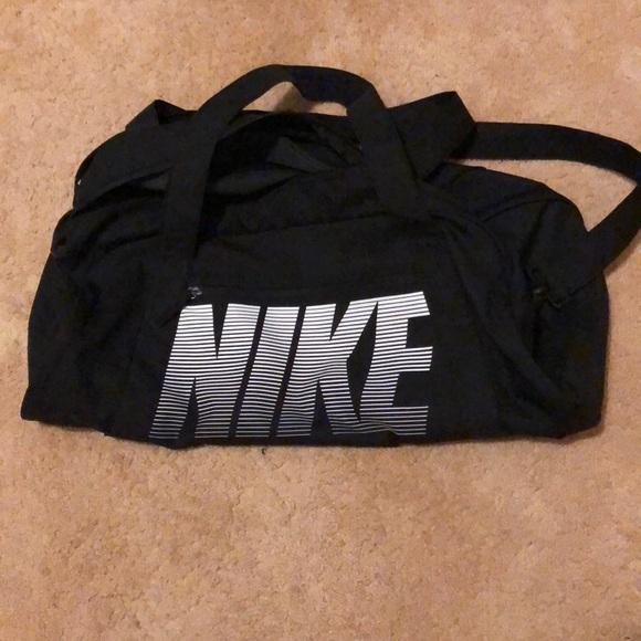 Nike Other - Nike duffel bag
